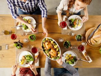 Digital Dining Etiquette for Healthier Habits