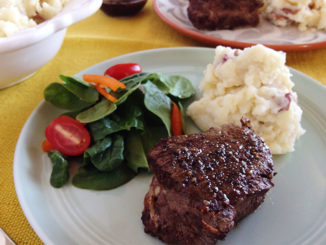 Cast-Iron Filet Mignon with Red Wine Sauce