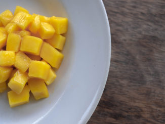 7-Ingredient Mango-Crab Salad