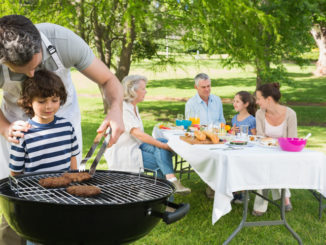 5 Tips To Keep Your Picnic Food Safe