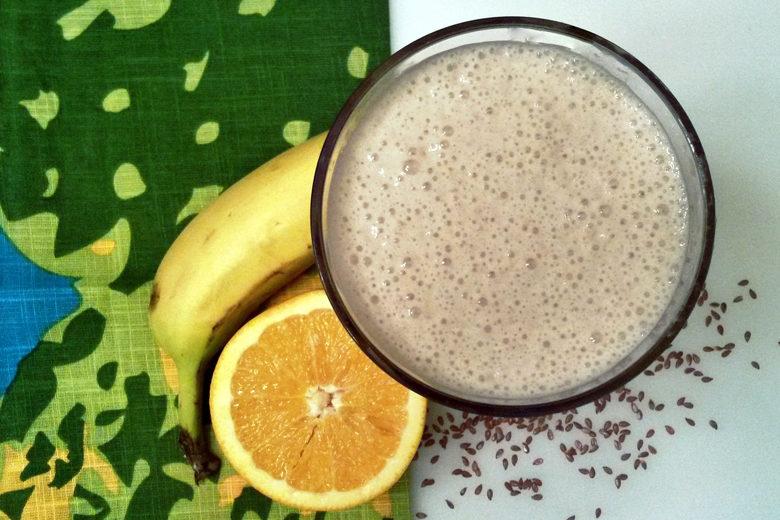 FODMAP-friendly Banana Flax Smoothie - Food & Nutrition Magazine
