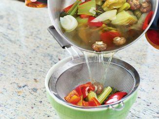DIY Kitchen: Vegetable Stock