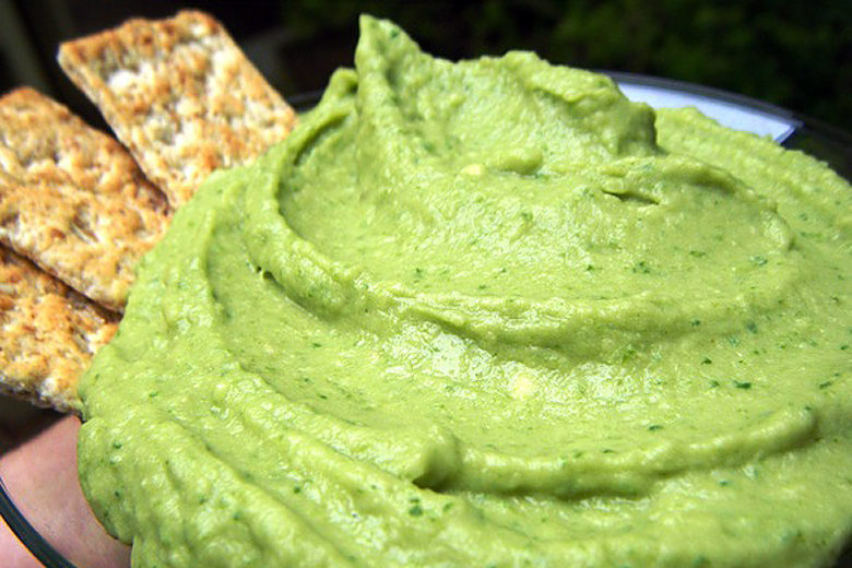 Healthy Tailgating Snacks? Game On. - Food & Nutrition Magazine