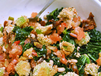 Quinoa, Kale and Bacon Veggie Bowl