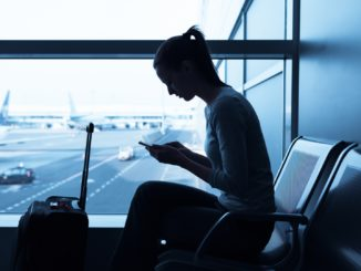 5 Dietitian-Approved Tips to Jettison Jet Lag