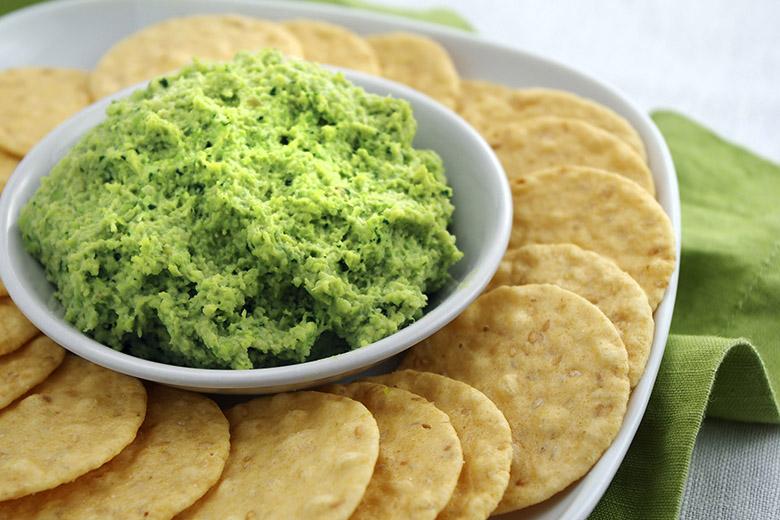 Edamame Hummus - Food & Nutrition Magazine