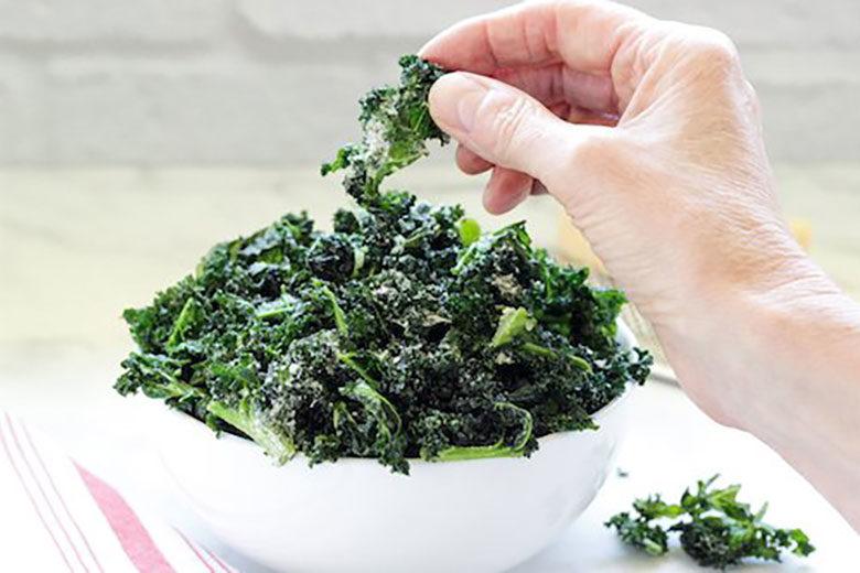 Air Fryer Garlic Parmesan Kale Chips - Food & Nutrition Magazine - Stone Soup