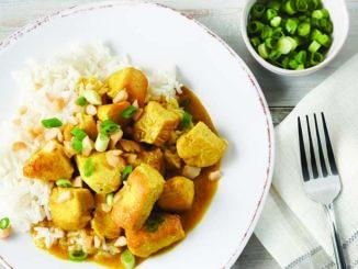 Chicken Stewed in Coconut Sauce | Food & Nutrition Magazine | Volume 9, Issue 5