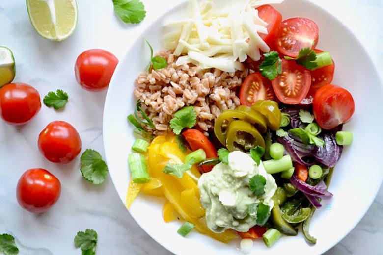Fajita Farro Bowl Avocado Cream - Food & Nutrition Magazine - Stone Soup