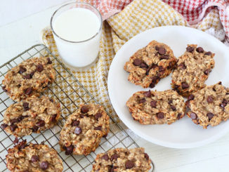 Oatmeal Chocolate Chip Banana Breakfast Bars - Food & Nutrition Magazine - Stone Soup