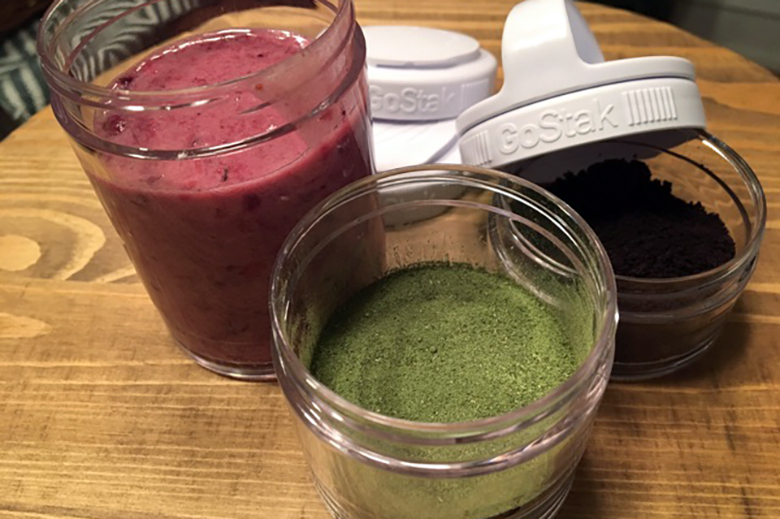 GOSTAK® containers filled with smoothie