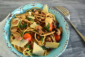 Whole-Wheat Pasta with Portobello Mushrooms, Tomatoes & Arugula