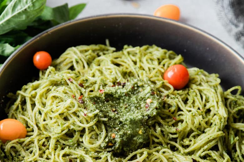 Avocado Pesto Pasta with Hemp Seeds | Food & Nutrition